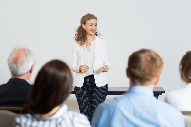Tips dan Teknik Bicara Luwes di  Depan Banyak Orang